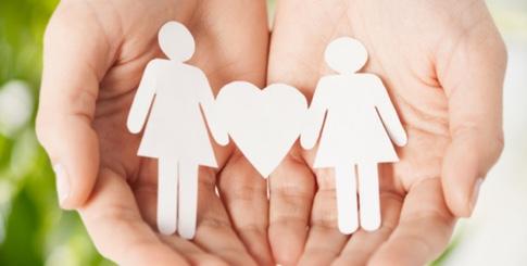 hands-women-heart